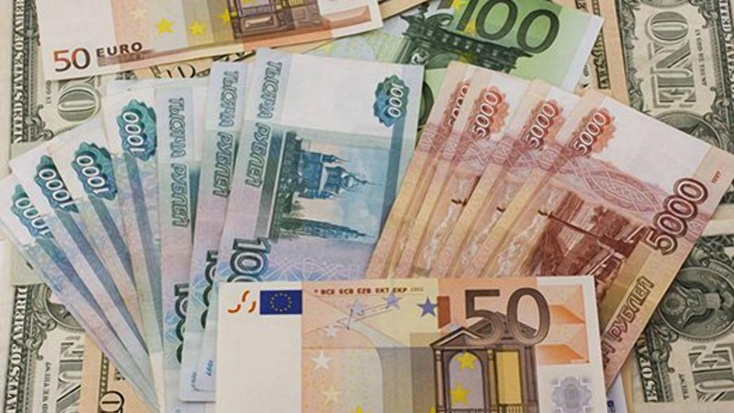 пистолеты, автоматы, картинки с денежными знаками доллар и евро можно встретить морях