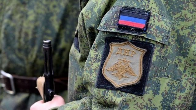 V-DNR-provedut-voennyie-ucheniya.jpg