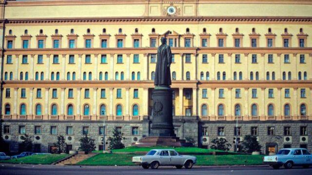 pamyatnik-dzerzhinskomu.jpg